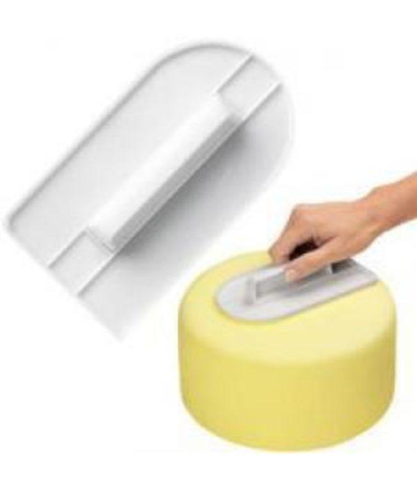 Plastic Cake Smoother 14 x 6 x 8.2cm